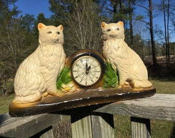 Vintage Chalkware Cat Mantle Clock--Double Cat Electir Clock--Chalk Ware Carnival Prize--Group Mantle Decor