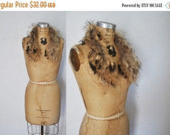 25% OFF FEATHERED Raccoon Fur Collar / genuine fur