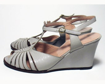 Vintage Gray Wedge Italian  Leather Womens' Open Toe Shoes Sandals Size. 36/American 6