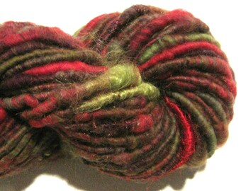 Super Bulky Handspun yarn, Cranberry Bog 64 yards, art yarn, red green corespun yarn, knitting supplies, crochet supplies Waldorf doll hair