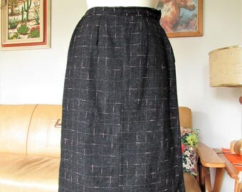 Vintage 1950s Black and Baby Pink flecks Atomic Wool Pencil Skirt with decorative back pleats.