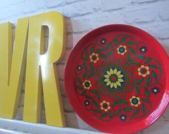Mid century retro red round metal flower serving tray kitchen vintage scandi