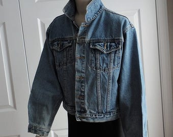 90s Levis denim jacket Medium District Gasoline 100% Cotton vintage Made in Hong Kong