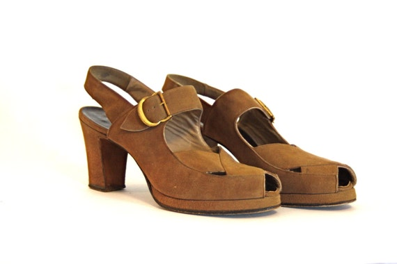 Vintage 40s I.Miller Platform Heels Light Brown Suede Caramel Leather Ankle Strap Buckle 1940s High Heel Pumps Peep Toe Tan Camel SZ 7.5 N
