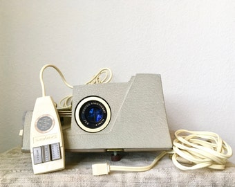 Vintage Sawyer's 500 R Slide Projector with Remote, Protective Case & Power Cord