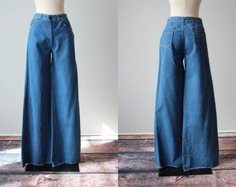 70s Bell Bottoms - Vintage 1970s Jeans - Classic Denim Hip Hugger Flares S M - Faded Glory Jeans