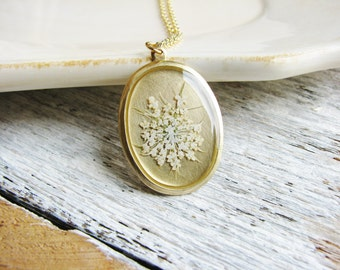 Queen Anne's Lace Necklace Pressed Flower Resin Jewelry Real Wildflower Botanical Jewelry Resin Pendant Garden Minimalist Bridal Gift
