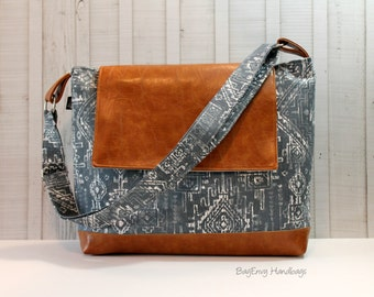 READY To SHIP -  SALE - Snoho Messenger - Sioux In Gunmetal with Vegan Leather -  Diaper Bag - Medium / Large Bag  - Limited Edition