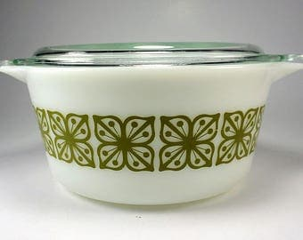PYREX Verde Square Flowers, Round Casserole with Lid, 474, 1 1/2 Quart, Dutch Clover,  Replacement, 1967 to 1970