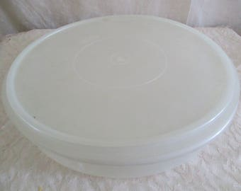 Tupperware Pie Keeper, Millionaire Line Storage Container, Pie Taker is Great for Tortillas Too