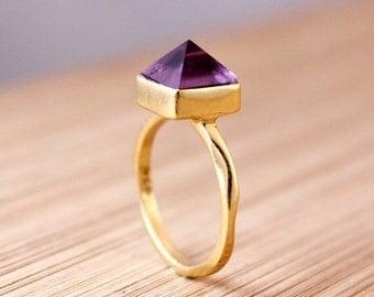 CHRISTMAS SALE Gold Amethyst Point Ring - Spike Ring