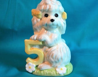 Vintage Birthday Dog Figurine, 5 years old Figurine, Dog Holding Number 5 Figurine, Vintage White Dog With 5 Years Old in Yellow, Dog Statue