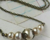 Romantic Vintage Pearl Necklace