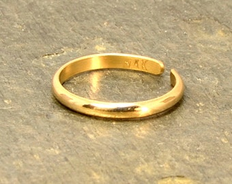 Dainty 14k Gold Toe Ring with Elegant Half Round Design and Polished Finish – Solid 14k Yellow Gold TR9408