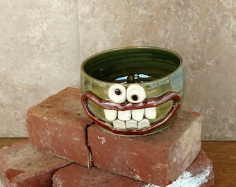Large Silly Cereal Bowl. Microwave Safe Soup Bowl. Googly Eyes Enthusiastic Dramatic Face Mug. Green and Dishwasher Safe.