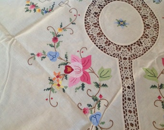 Table Cloth Large ~ Vintage Linens Cross stitched and Crocheted ~ Gorgeous Table Cloth with Napkins ~ Easter Table Linens ~ Floral Design