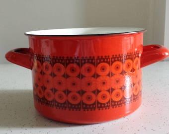 flower power in red and orange...vintage finel enamelware cooking pot