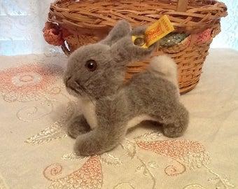 Steiff Hoppy Bunny 1501/13 Vintage 1984-87 Adorable Easter Rabbit Gift