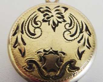 ON SALE Pretty Vintage 12K Yellow Gold Filled Locket
