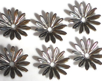 Vintage Beads Flowers Connectors Spacer Gun Metal Caps Silver 15mm Daisy. #1397