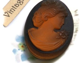 Vintage Cameo,Glass cameo, Victorian cameo, victorian Lady cabochon, Old Cabochon, vintage Jewelry Making Large 32x23mm Amber (52E)