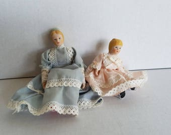 Vintage Small Porcelain Dolls Dollhouse Dolls Victorian Mother and Daughter 1:12