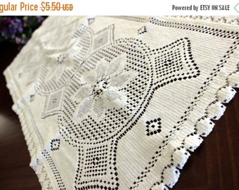 White Lace Table Runner - Machine Lace Table Scarf, Vintage Linens 13713
