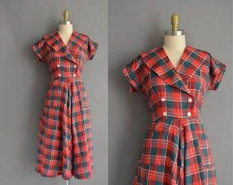 Christmas 50s red and green plaid cotton vintage dress. vintage 1950s dress