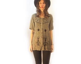 Vintage 90s embroidered button front shirt blouse tunic // medium // batik tie dye // indian ethnic boho hippie gypsy folk peasant