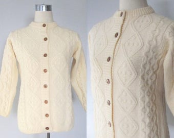 40% OFF SALE Vintage Creme Cable Knit Fisherman's Sweater / 70's Irish Wool Button Up Winter Cardigan Sweater / Size Small