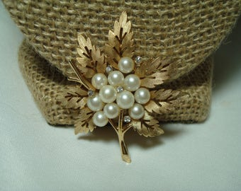 TRIFARI Vintage Golden Maple Leaf Pin Set with Tiny Rhinestones and White Faux Pearls.