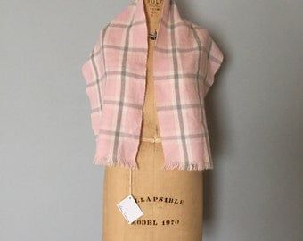 SALE...vintage baby pink and grey plaid scarf | soft acrylic scarf