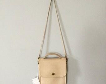 30% OFF SALE... Laura USA station satchel   large leather top handle messenger bag