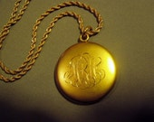 Antique Victorian Yellow Gold Locket Pendant Necklace 1/4 Gold Shell W&M Co 8939
