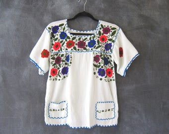 Boho Vintage Embroidered Floral Ethnic Gautemalan Top Blouse Mint Green Cotton Ladies Size M