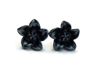 Black Lily Earrings - Dark flower earrings - Retro Resin jewelry - Rockabilly, Pinup, Vintage Style