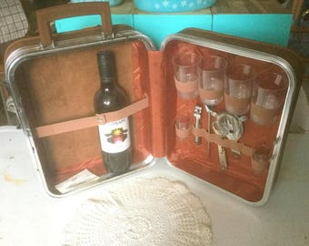 Vintage Travel Bar Suitcase, Tools/Glasses/Key Carry On Bar, Travelling Bar, 60s Portable Cocktail Bar, Party On The Go!