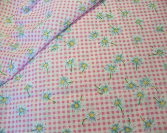 sweet daisies and pink checkered fabric