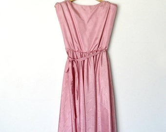HUGE SPRING SALE 70s Pink Satin Dress Ruched Party dress Bow tie / Size Medium