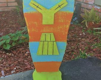 Large Standing Tiki Mask With Feet, Wood Sculpture, Table Top Tiki, Tiki Man, Rustic Beach House, Tiki Bar