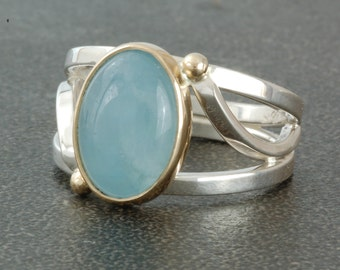 Aquamarine ring in silver and gold