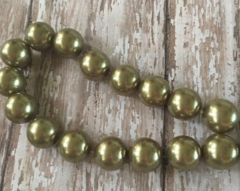 Large Fern Green Acrylic Pearl Beads Strand