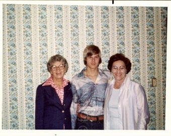 Vintage Photo, Teen With 2 Women, Blue Flower Wallpaper, Color Photo, Found Photo, Old Photo, Snapshot, Vernacular Photo