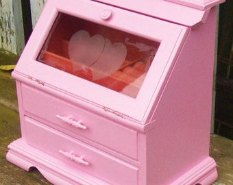 Vintage Pink Jewelry Box with an Etched Heart & Floral Design on Glass Door Shabby Chic