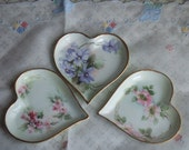 Lot of 3 Small Limoges LaSeynie Miniature Plates. Dating from 1903. Heart Shaped. Signed P.P. For Paroutaud et Paroutaud Brothers. Exquisite