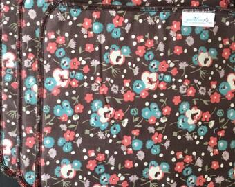 Flowers Washcloth, Brown Washcloth, Kitchen or Bathroom Washcloth, Pack of 3, Brown Flowers, Wedding Gift, Flower Gift