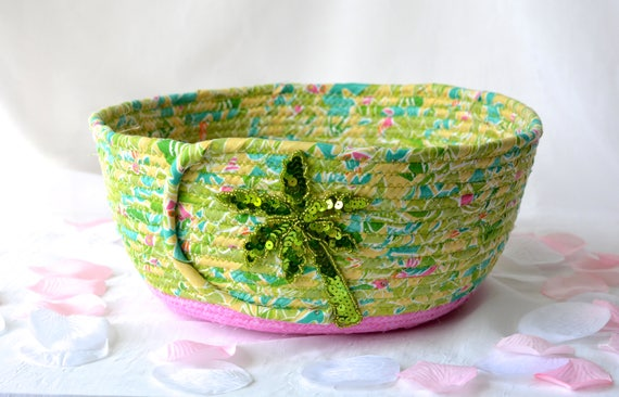 Green Gift Basket, Handmade Plant Holder, Summer Picnic Basket, Hand Coiled Fiber Basket, Palm Tree Basket, Yarn Bowl, Eyeglass Tray