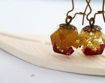 Moss and Garnet Resin Earrings, Prism Earrings, Antique Gold Hooks
