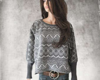 Contemporary sweatshirt gray/Nicole Miller print fabric/Lace bonded knit/high cuff dolman sleeve