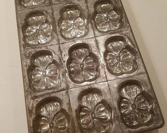Antique Dessert Chocolate Pansies Mold